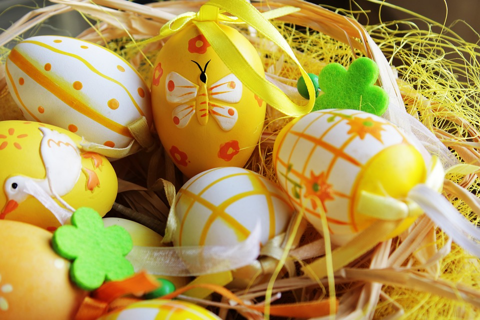 Colouring Eggs with Natural Dyes